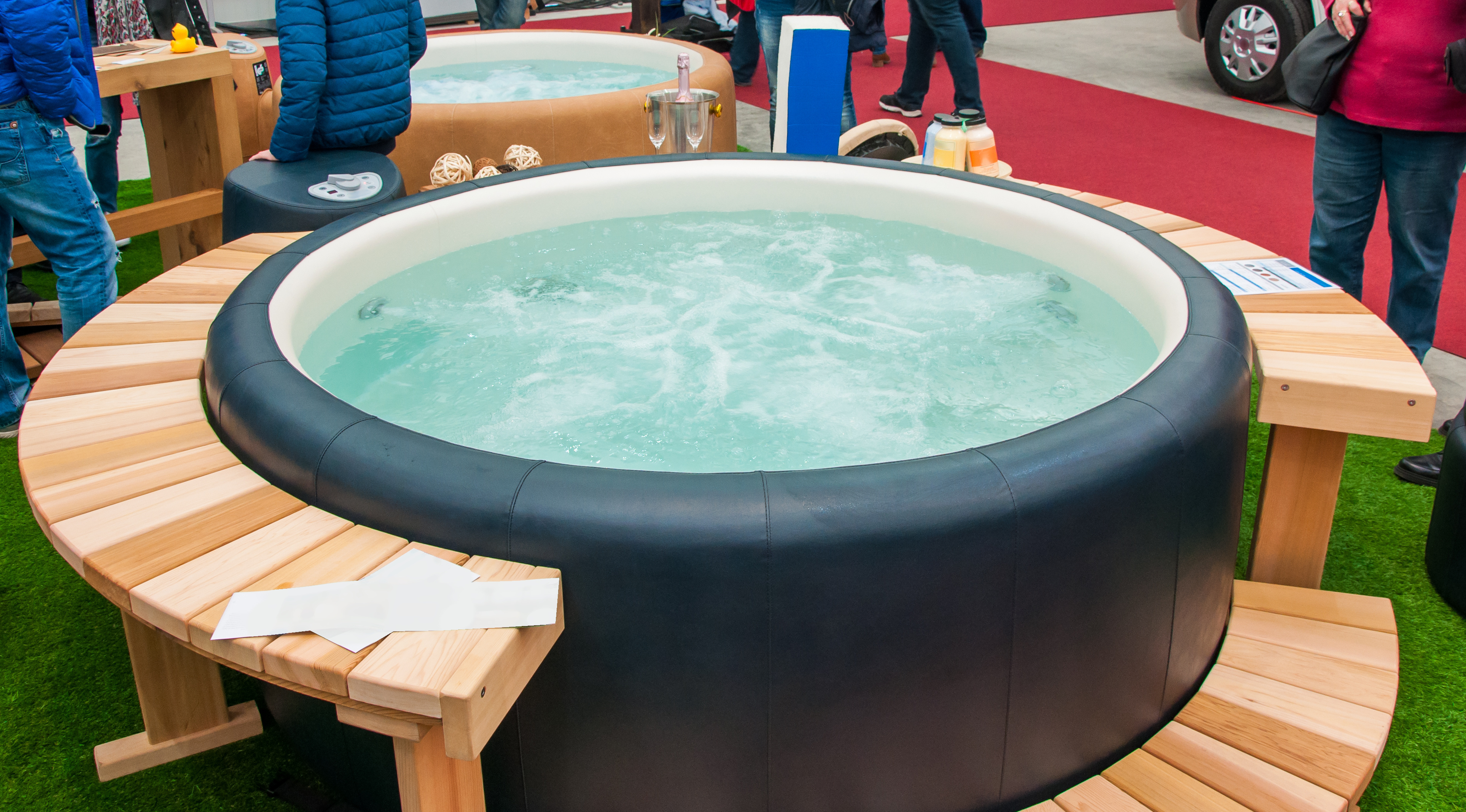 How to clean mold off of a hot tub cover
