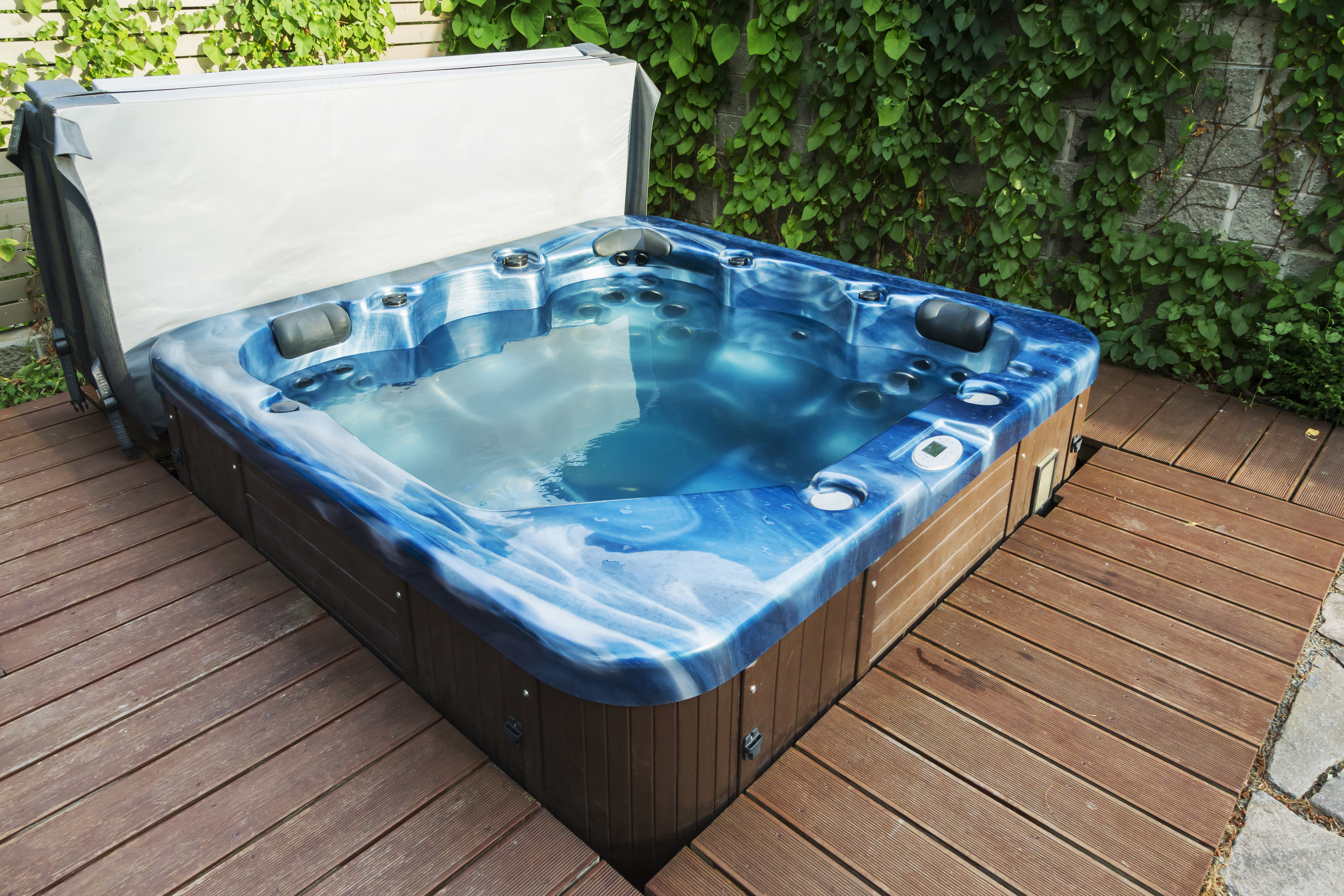 How to clean mildew off of a hot tub cover
